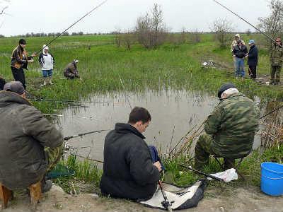 Приколы на рыбалке и отдыхе у маленько озера
