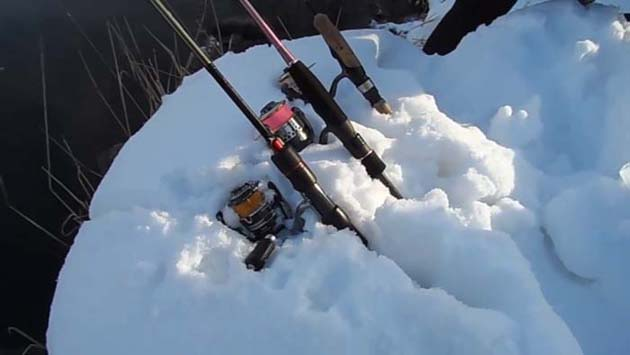 Спиннинги на снегу
