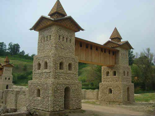 Маленькая крепость в парке