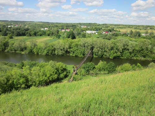 Вид моста от деревни Волотово