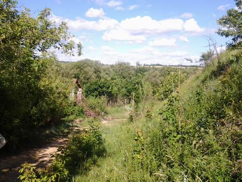 Вид на мост с дороги от деревни