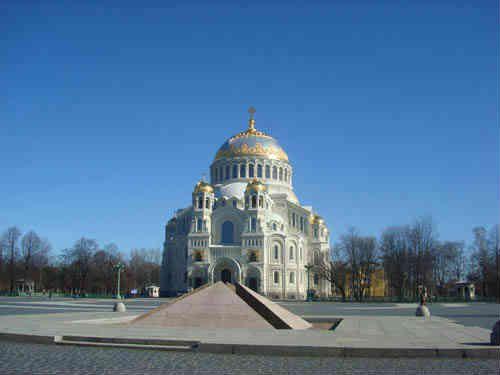 Никольский Морской собор на якорной площади