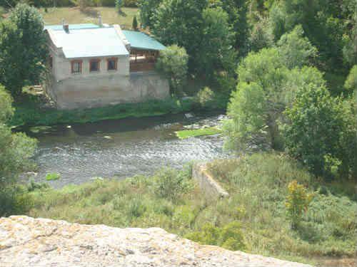 Воргольские скалы и река Воргол