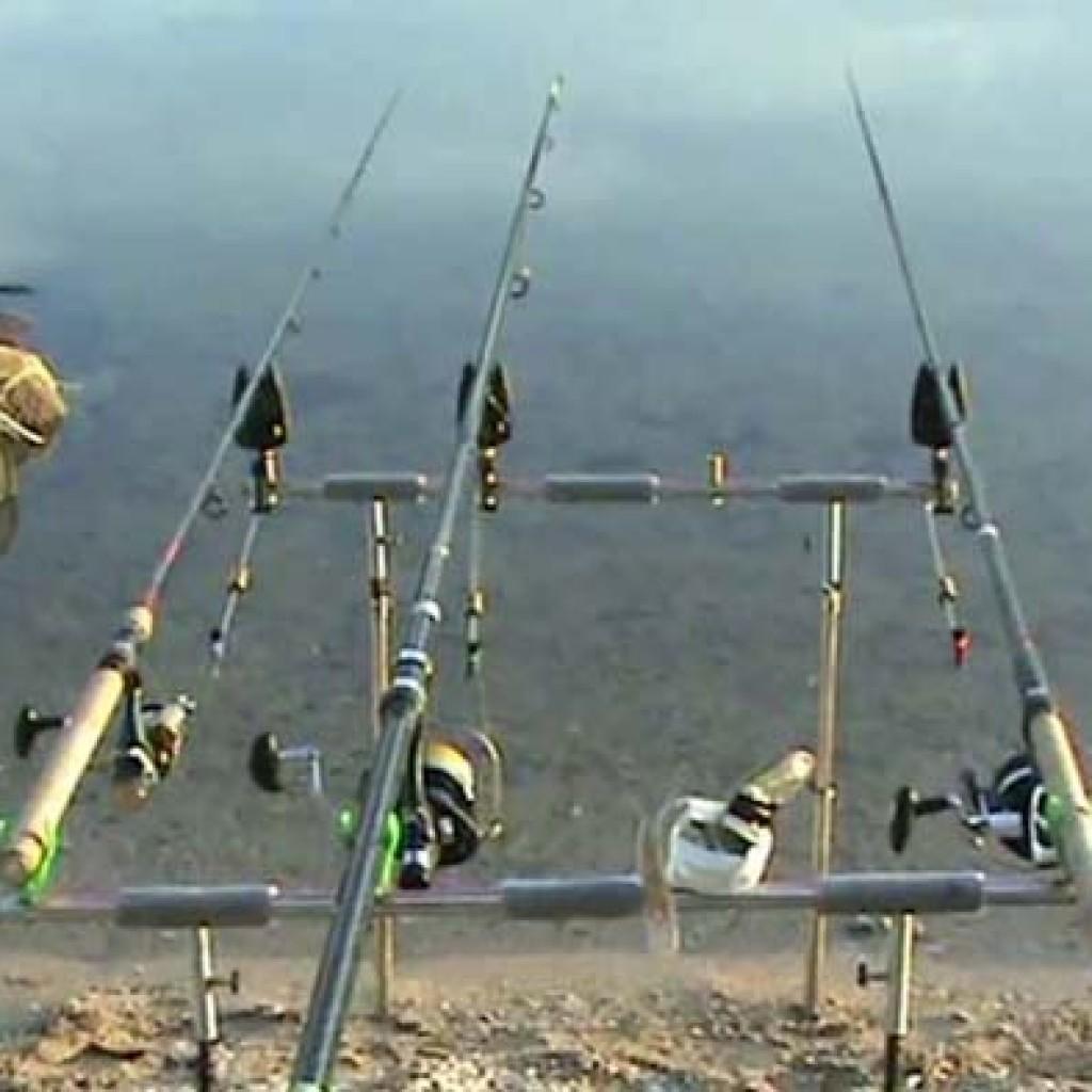Три удилища для ловли