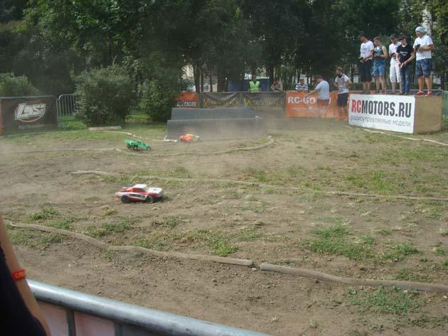 Соревнования по радиоуправляемым машинам