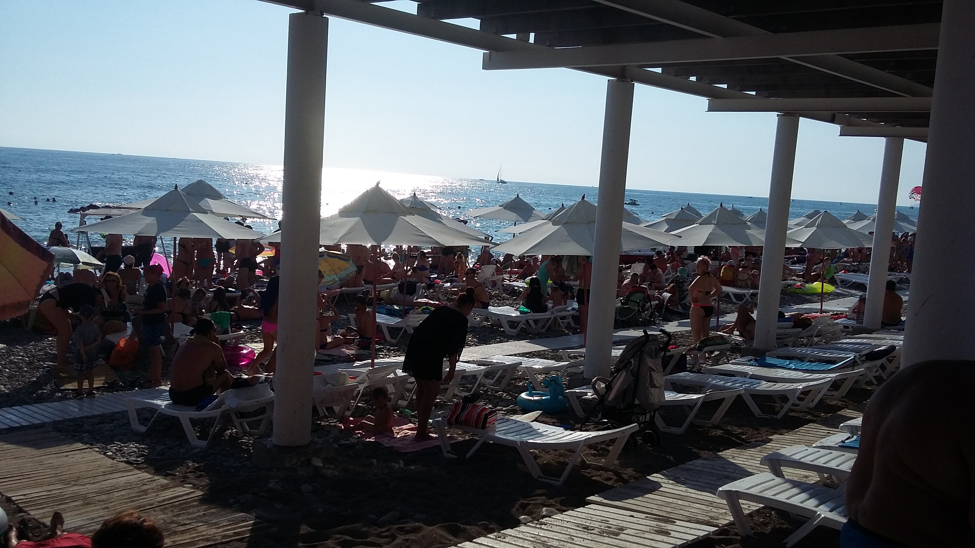 Пляж в Лазаревском